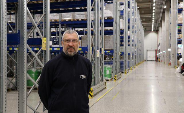 Dario Leban v skladišču TKK. Foto: Arhiv podjetja