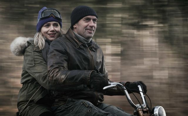 V glavnih vlogah sta Janez Škof in Katarina Čas. FOTO: Željko Stevanić