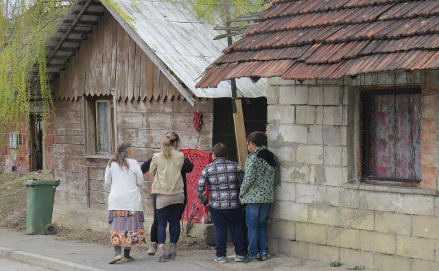 V romskem naselju Vejar se noben prebivalec noče odločiti za kandidaturo. FOTO: Bojan Rajšek/Delo