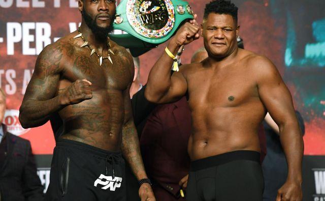 Deontay Wilder (levo) in Luis Ortiz napovedujeta še en spektakularen obračun. FOTO: AFP