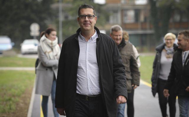 Župan Kopra Aleš Bržan se mora spoprijemati z očitki na račun njegovega svetovalca.