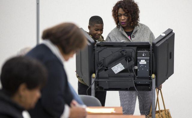 Afriški Američani veljajo za zveste volivce demokratske stranke že vse od velike depresije minulega stoletja. Foto: Reuters
