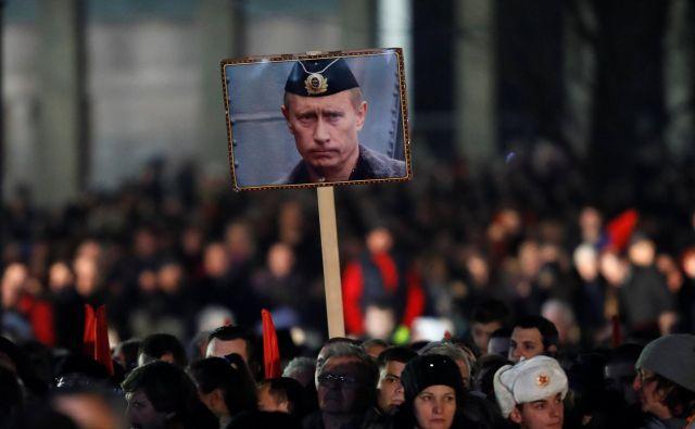 Predsednik Vučić je zatrdil, da dogodek, ki se je zgodil decembra lani, ne bo vlival na prijateljske rusko-srbske odnose. FOTO: Reuters