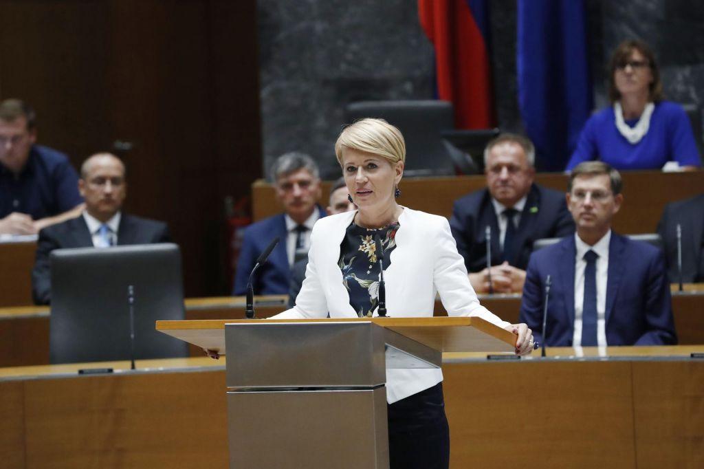 Vse fronte ministrice Aleksandre Pivec