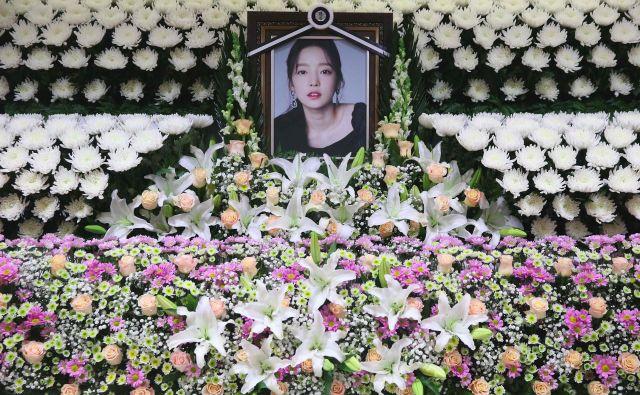 Mlada zvezdnica je druga žrtev izsiljevanja in groženj v zadnjem mesecu in pol. FOTO: AFP