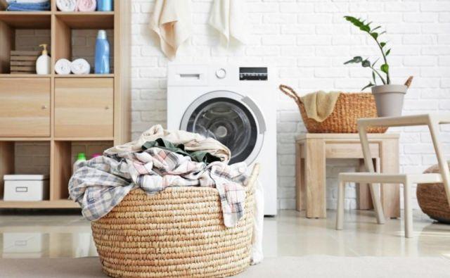 Iste hlače lahko oblečemo večkrat, spodnje perilo moramo zamenjati vsak dan. FOTO: Shutterstock
