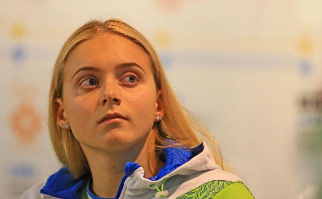 Neža Klančar po uspešno opravljeni maturi zdaj vso pozornost namenja le plavanju in pripravi za olimpijsko sezono.<br /> FOTO: Tomi Lombar/Delo