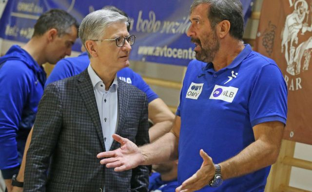 Predsednik RZS Franjo Bobinac (levo) nikoli ni skrival, da je Veselin Vujović selektor po njegovem okusu.<br /> FOTO: Tadej Regent/Delo
