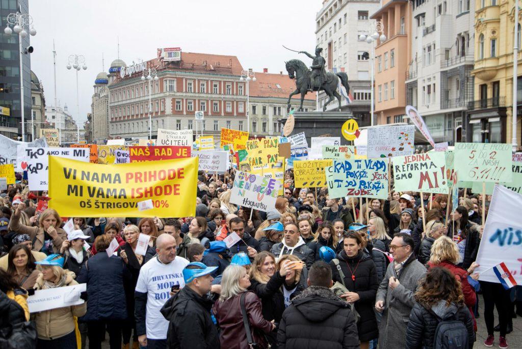 Šolski sindikati grozijo z rušenjem vlade