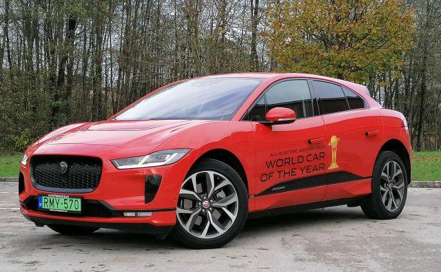 Jaguar I-paceje posebnež, ki privablja poglede in od voznika v začetku zahteva nekaj prilagajanja. FOTO: Boštjan Okorn
