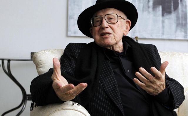 Branko Lustig, hrvaški filmski producent, se je po upokojitvi posvetil ozaveščanju mladih o holokavstu in pogubnosti vsakršne nestrpnosti. FOTO: Tomi Lombar/Delo