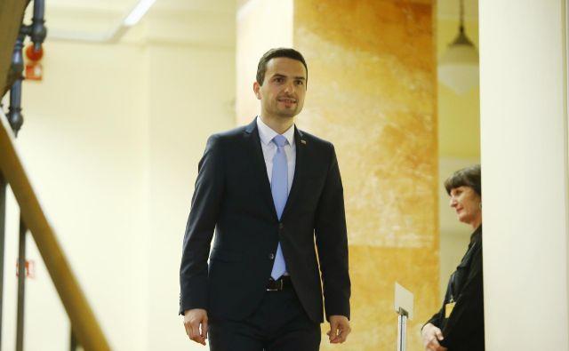 Hoteli so diskreditirati mene in Knovs, je prepričan predsednik Knovsa Matej Tonin. FOTO: Jože Suhadolnik/Delo