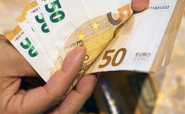 Kljub padajočim obrestnim meram so bile letos naložbe v obveznice donosne. FOTO: istock