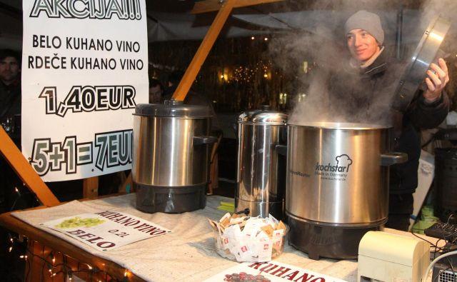 V veselem decembru tradicija zapoveduje kuhano vino, vendar obstajajo alternative. FOTO: Ljubo Vukelič