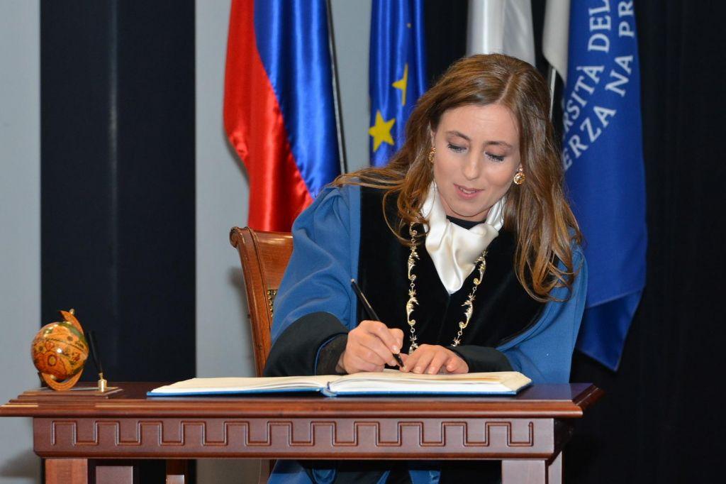Nova rektorica Univerze na Primorskem je prof. dr. Klavdija Kutnar