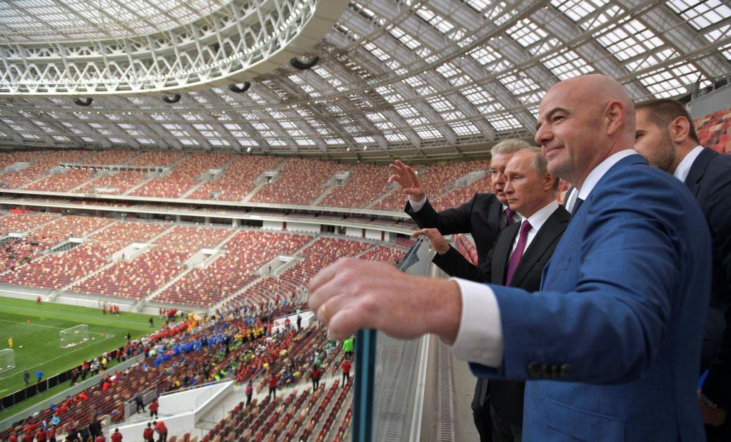 Vladimir Putin v domače mesto po pomoč k Aleksandru Čeferinu