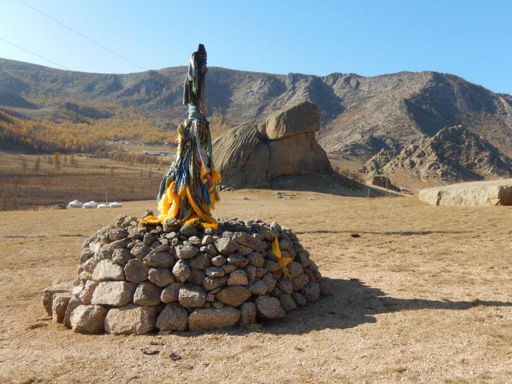 FOTO:Mongolija: brbotanje pod kupolastim gerom s ščepcem soli