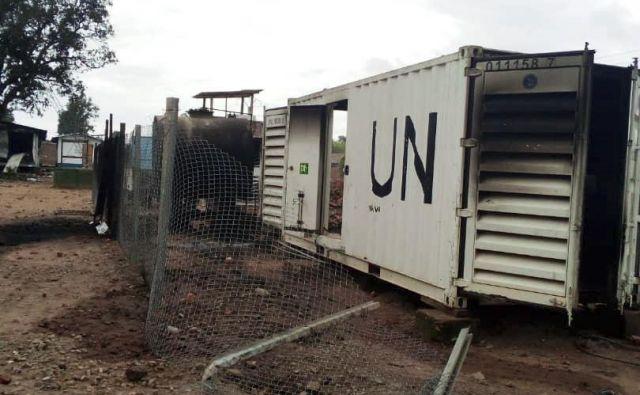 Požgani objekti Združenih narodov na severovzhodu Demokratične republike Kongo. FOTO: Albert Kambale/AFP