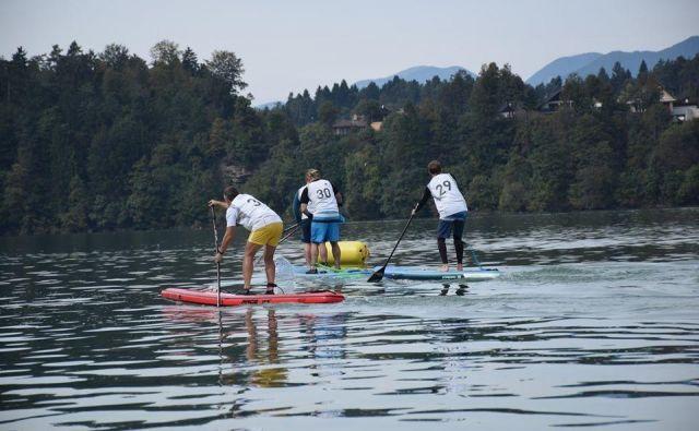 Suparska tekma na Zbiljskem jezeru. Foto: Tiki Team