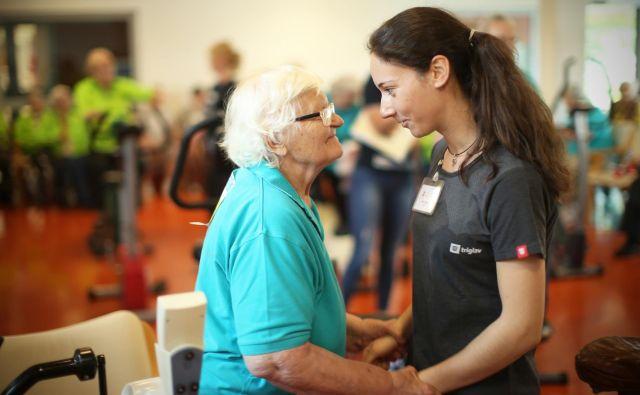 Tujci so v Avstriji v podrejenem položaju, ugotavljajo naši sogovorniki o delu v domovih za starejše na oni strani severne meje. FOTO: Jure Eržen/Delo