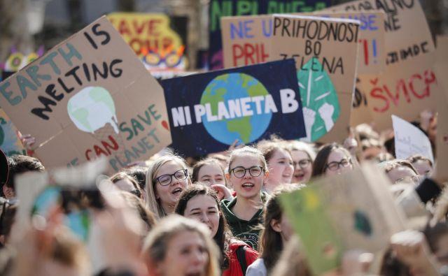 Mladi pritiskajo na svetovno politiko, naj reševanje podnebne krize postane prioriteta. FOTO: Uroš Hočevar/Delo