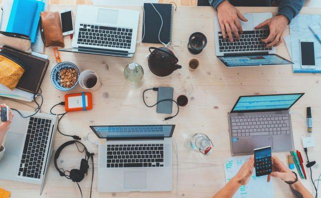 Splet, digitalizacija in množična udeležba sta finančne produkte približala uporabnikom. Foto Marvin Meyer/unsplash