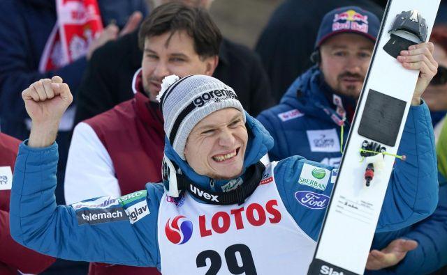 Anže Lanišek bo v Ruki letel tudi na krilih odličnega drugega mesta, s katerim si je minulo nedeljo v Visli priskakal svojo doslej najboljšo uvrstitev v svetovnem pokalu. FOTO: AFP
