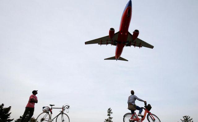 Razmere za letalsko industrijo so zahtevne, povečujejo se denimo stroški za gorivo. Foto Reuters