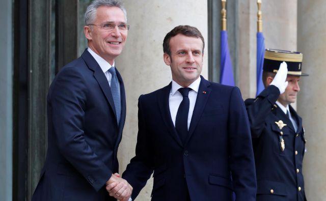 Francoski predsednik Emmanuel Macron se zavzema za močan dialog z Moskvo, generalni sekretar Nata Jens Stoltenberg verjame v zavezništvo Evrope in ZDA. Foto Reuters