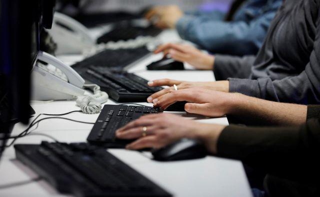 V Nemčiji primanjkuje že 124.000 strokovnjakov za informacijsko tehnologijo. FOTO: Amir Cohen/Reuters