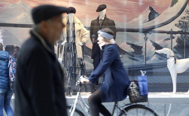 Upokojenec v mestu: slovenski moški se upokojujejo v povprečju stari 62 let. FOTO: Mavric Pivk/Delo