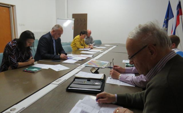 Občinska volilna komisija se je v zadevi Mihe Jančarja izrekla za nepristojno. FOTO: Bojan Rajšek/Delo