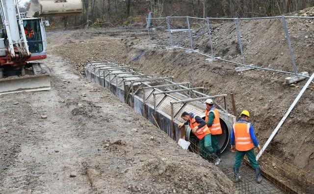 Izkop za odpadne vode v Črnučah.Foto Tomi Lombar