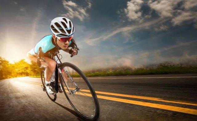 Še vedno se v svetu nakupovanja koles orientiramo tako, da dobro mestno kolo stane kot ena povprečna neto slovenska mesečna plača, dobro dirkalno kolo oziroma specialka pa vsaj dve ali tri. Foto: Shutterstock