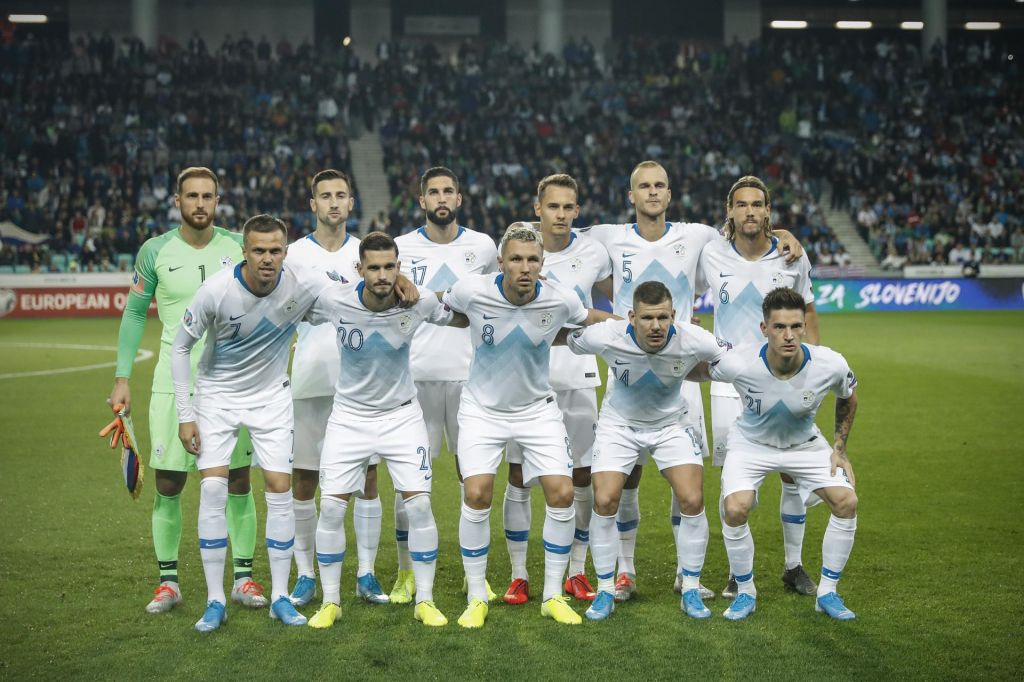 V top 5 brez sprememb, slovenski nogometaši 64.