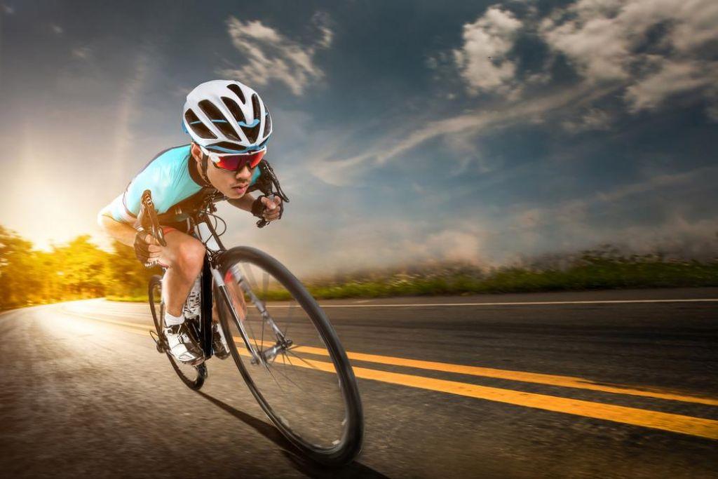 FOTO:Dirkalna cestna kolesa: Tisti srednji razred, ki ne izginja