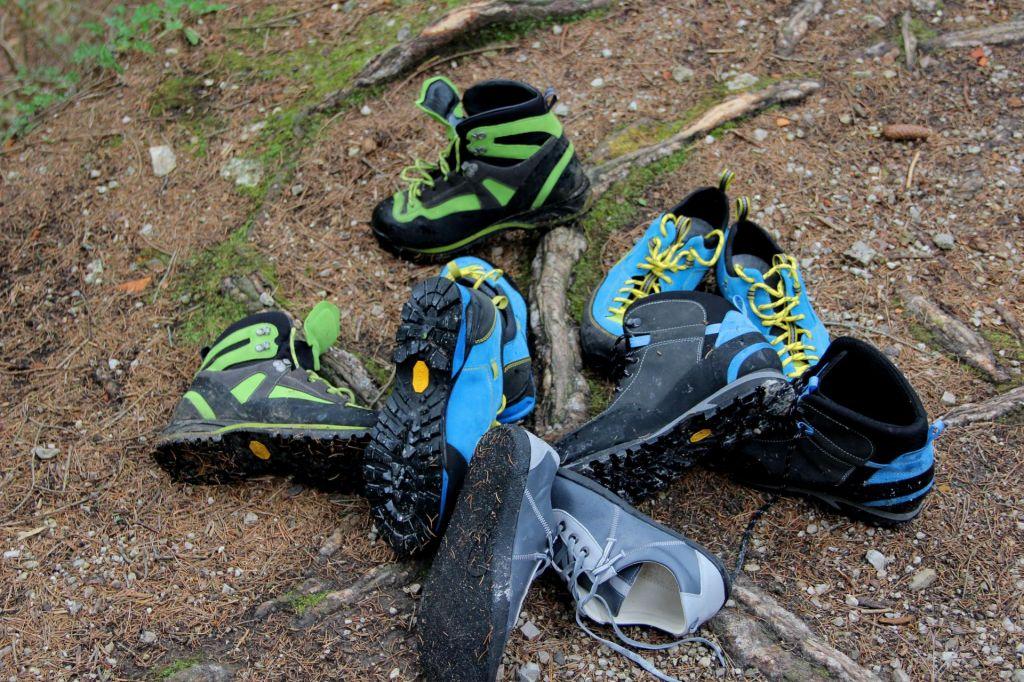 FOTO:Pohodniški čevlji iz tržiške delavnice