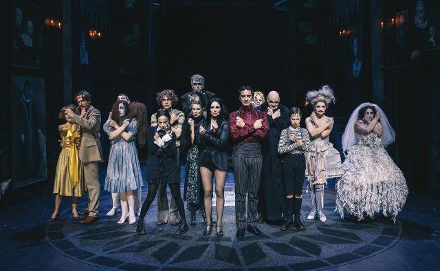 Na silvestrovo bo v MGL na sporedu muzikal Addamsovi. MGL/Peter Giodani