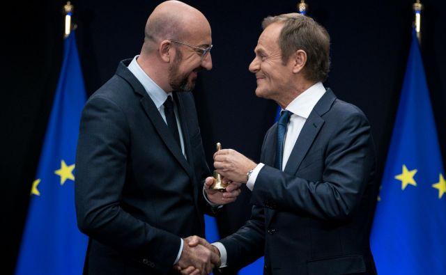 Primopredaja poslov. Donald Tusk (desno) odhaja na čelo EPP, Charles Michel bo moral usklajevati interese držav članic. Foto: AFP