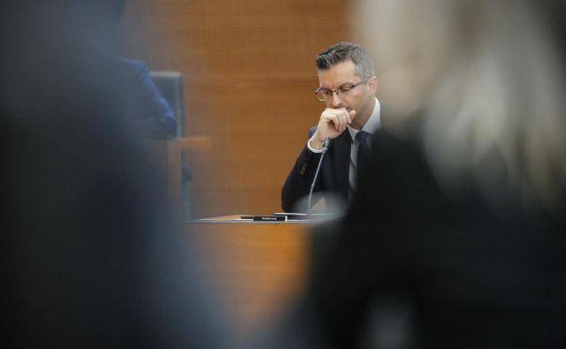 Premier Marjan Šarec bo moral še krepko razmisliti, kako poenotiti koalicijske partnerje in se izogniti novim aferam. Foto: Uroš Hočevar/Delo