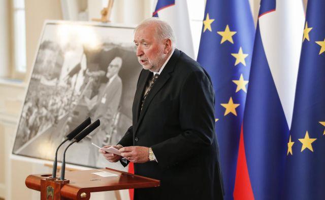 Lojze Podobnik: »Iz Ruplovega pisanja je očitno, da ga še vedno obremenjuje komunizem.« Foto Jože Suhadolnik