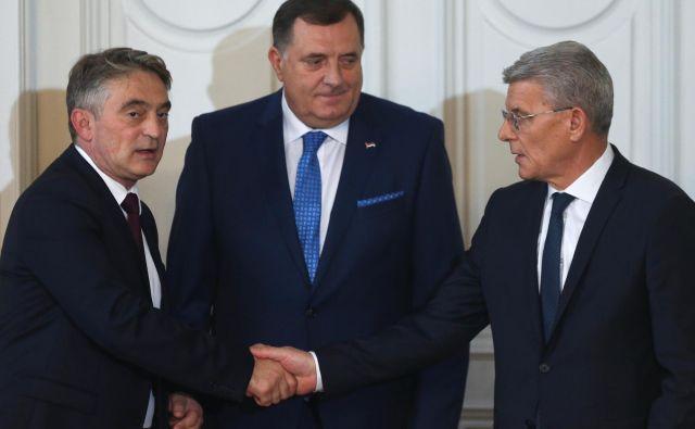 Člani tričlanskega predsedstva BiH, Hrvat Željko Komšić, Srb Milorad Dodik in Bošnjak Šefik Džaferović, bodo jutri prišli v Ljubljano.<br /> Foto Reuters