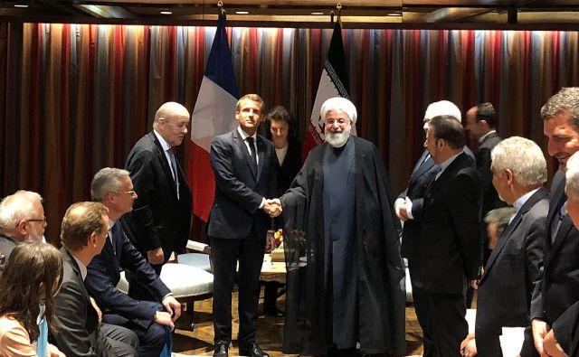 Utrjevanje položaja EU v mednarodnem okolju bo za evropske politike vse prej kot lahka naloga. Na fotografiji francoski predsednik Emmanuel Macron in iranski Hasan Rohani. FOTO: Reuters