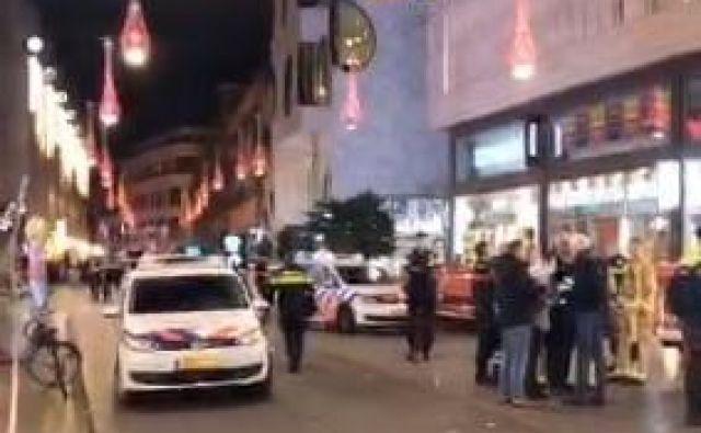 Na prizorišče napada so prihiteli policija in rešilci. FOTO: Twitter