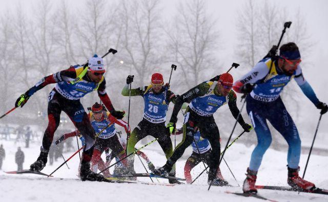 V nedeljo se bosta v sprintu predstavila tudi <strong>Jakov Fak</strong> in <strong>Klemen Bauer</strong>, ki sta prav zaradi slabše ženske reprezentance danes dobila dodaten dan počitka. FOTO: Jonathan Nackstrand/AFP