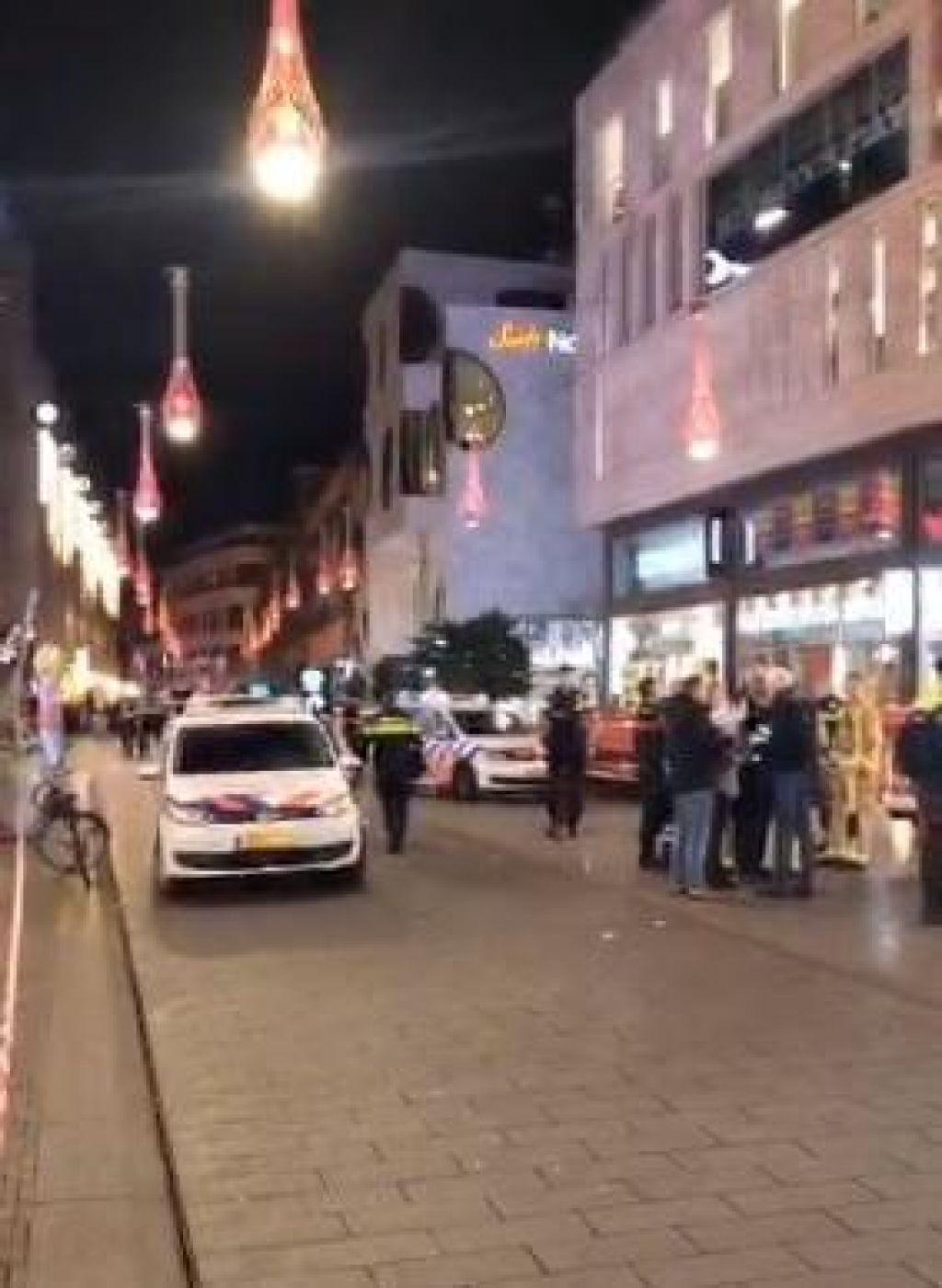 Nizozemska policija aretirala osumljenca za napad z nožem v Haagu