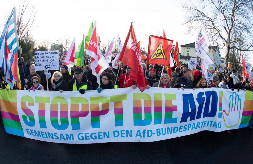 FOTO:Kongres AfD spremljali množični protesti