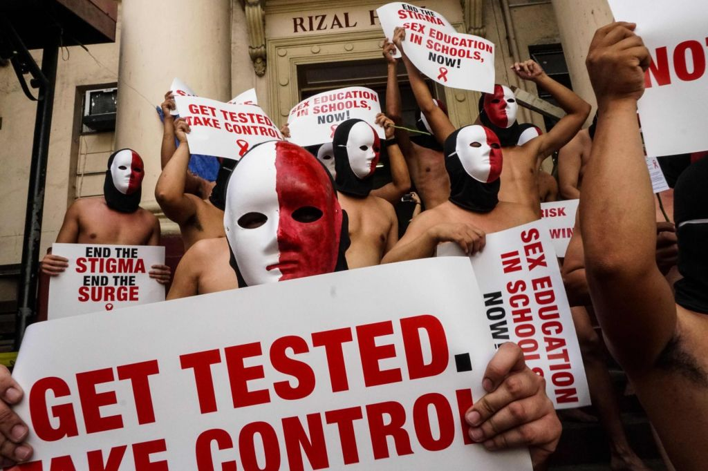 Okužba s HIV ob ustreznem zdravljenju že dolgo ne pomeni več smrtne napovedi