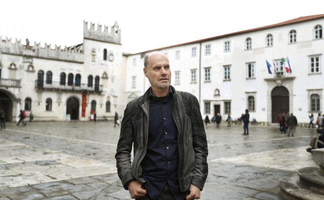 Dragan Marušič, nekdanji rektor Univerze na Primorskem, je odpuščal nezakonito, je potrdilo ljubljansko višje delovno sodišče. Njegova naslednica Klavdija Kutnar ga kljub temu podpira. Foto Leon Vidic