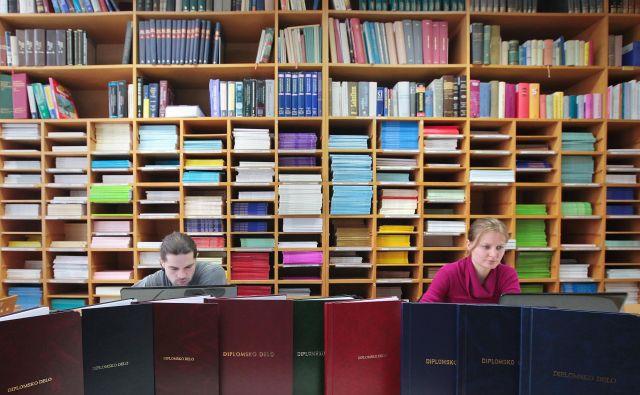 V zadnjih letih so zavrnili nekaj več kot 500 vlog za vrednotenje izobraževanja v tujini. FOTO: Jože Suhadolnik/Delo